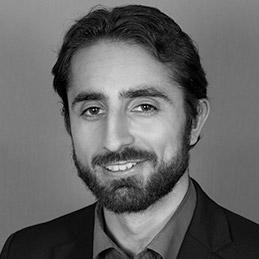 Arraz Makhzani